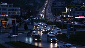 Sakaryada kısıtlama öncesi trafik yoğunluğu yaşandı
