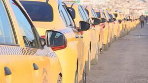 Taksicilerin taksimetre çilesi Kuyruk kilometrelerce uzadı