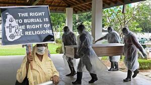 Sri Lankada Kovid-19 kurbanlarının cenazelerine zorunlu krematoryum kararı kaldırıldı