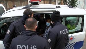 Sancaktepede polisten kaçan şüpheliler 14 kilometre sonra Kartalda yakalandı