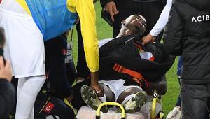 Yeni Malatyasporlu futbolcu Ndayishimiye, maç sonu rahatsızlık geçirdi