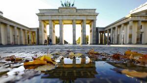 Almanya'da karantina uzuyor