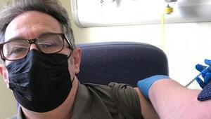 İngilterede Kovid-19 aşısı olan Türk doktordan çarpıcı sözler