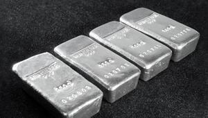 Emtia yatırımcıları gümüşle kazandı