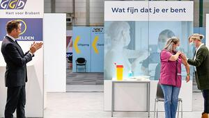 Hollandada koronavirüs aşıları yapılmaya başlandı