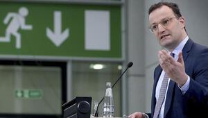 Almanya Sağlık Bakanı Spahn, aşılamalar sırasında oluşan sıkıntılara karşı halktan sabır istedi