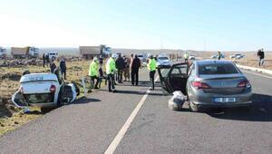Diyarbakırda iki otomobil çarpıştı: 5 yaralı