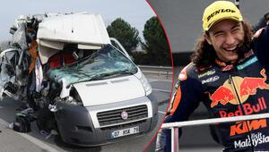 Minibüs ile TIR çarpıştı... Milli motosikletçi Can Alexander Öncü yaralandı
