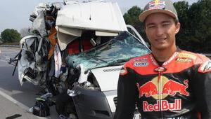 Milli motosikletçi Can Alexander Öncü Sakaryada trafik kazası geçirdi