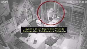 İş yerinden cep telefonu çalan 2 kişi, güvenlik kamerası görüntülerinden yakalandı