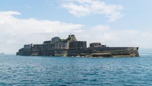 Dünyanın unuttuğu sıra dışı bir ada... Savaş gemisine benziyor