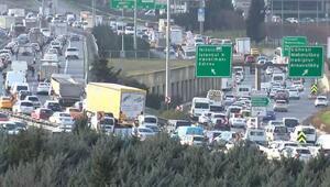 İstanbulda kısıtlamaya saatler kala trafik kilit