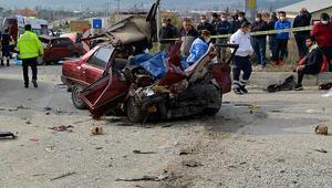 Muğla'da feci kazada ortalık savaş alanına döndü: İki kişi hayatını kaybetti