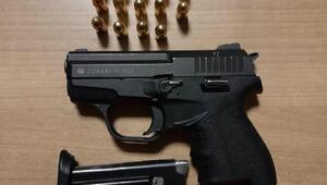 Bekçiden kaçan şüphelide tabanca ele geçirildi