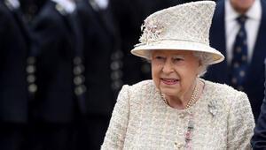 Kraliçe Elizabeth ve eşi aşı oldu