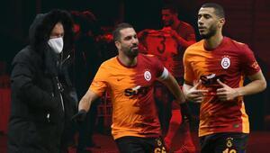 Galatasaray-Gençlerbirliği maçında Arda Turan ve Belhanda olay oldu Golden sonra Fatih Terim...