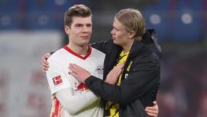 Borussia Dortmund ikinci yarıda bulduğu 3 golle 3 puanı aldı