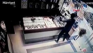 Çekmeköydeki kuyumcu soygunu güvenlik kamerasında