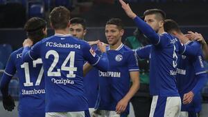Schalke sonunda başardı Tarihi rekora 1 maç kala…