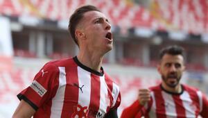 Hakan Arslan, attığı gollerle Sivasspordaki forvetleri geride bıraktı