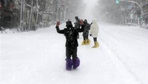 İspanyada son 50 yılın en büyük kar fırtınası etkili oluyor