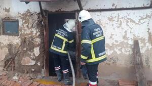 Sandıklıda metruk binada yangın