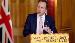 İngiltere Sağlık Bakanı Matt Hancock, 2 milyon kişinin aşılandığını açıkladı