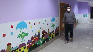 Öğretmenler pandemi sürecinde okulu renklendirdi
