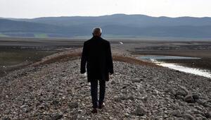 Barajda su çekildi Tarihi Hicaz Demiryolu hattı göründü...