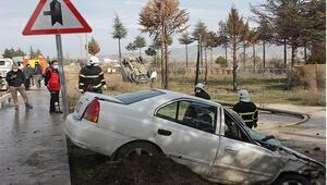 Aynı yöne seyir halindeki kamyonet ile otomobil çarpıştı: 1 yaralı