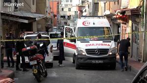 Beyoğlunda bir evde battaniyeye sarılmış kadın cesedi bulundu