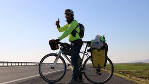 Bir yıldır bisikletiyle yollarda... Türkiyeye hayran kaldı