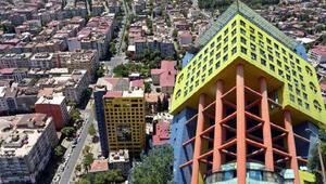 Hayrettin Güngör: Dünyanın en saçma binasının yıkımı bize ek maliyet getirmiyor