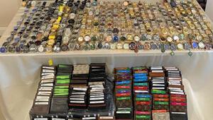 Sivasta yüzlerce kaçak kol saati ve cüzdan ele geçirildi