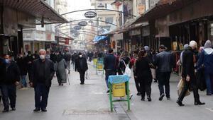 Gaziantepte soğuk havaya rağmen çarşılar doldu