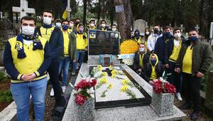 Fenerbahçenin efsane ismi Lefter Küçükandonyadis kabri başında anıldı