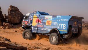 Dakar Rallisi'nde Red Bull sporcuları zirvede