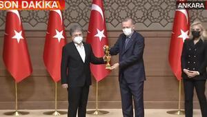 Ahmet Hakan, Tarafsız Bölge programıyla ödüle değer görüldü
