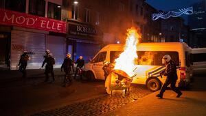 Brüksel karıştı... Kral'ın arabasını taşladılar...