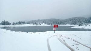 Taraklı'da kar yağışı etkili oldu