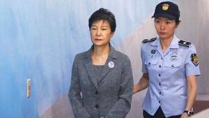 Güney Kore eski lideri Park Geun-hye'nin 20 yıllık hapis cezası onandı