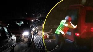 Zonguldakta kar nedeniyle araçlar yolda kaldı