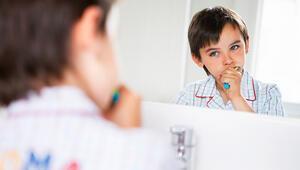 Koronavirüsün ağır seyretmesine neden olabilir... Çocuklar günde en az 2 kez diş fırçalamalı