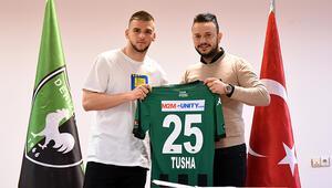 Denizlisporda Kosovalı genç futbolcu Veton Tusha profesyonel oldu