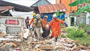 Endonezyada deprem 42 ölü