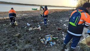 İstanbulda sular çekildi, atıklar ortaya çıktı 40 ton...
