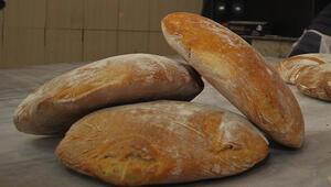 Yapımı 5 saat sürüyor, hiç bozulmuyor Kula ekmeğine ilgi her geçen gün artıyor