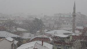 Edremit Körfezine 4 yıl sonra kar yağdı