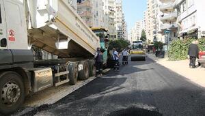 Büyükşehir 25 ayrı noktada asfalt çalışmasını sürdürüyor
