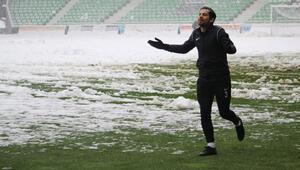 Sakaryaspor - Serik Belediyespor maçı yarına ertelendi
